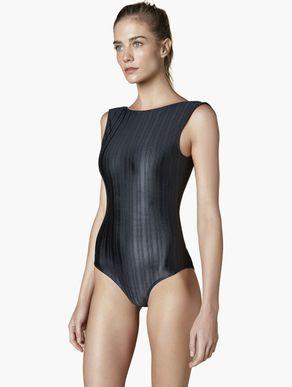 body-regata-feminino-preto-com-decote-profundo-138