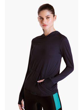 camiseta-manga-longa-com-capuz-color-815